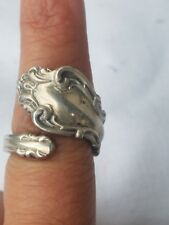 REED & BARTON STERLING SILVER ''IMPRESSARIO'' FINGER RING.