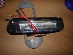 AUSTIN MORRIS 1100 MK1 NUMBER PLATE LIGHT SEE DETAILS  N.O.S.