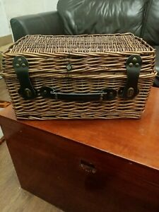 Wicker Hamper Picnic Basket With Lid