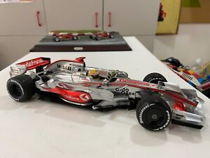 Minichamps 1/18 Mclaren MP4-23 Lewis Hamilton world champion 2008
