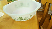 """Vintage 8 1/2"""" Round GLASSBAKE Pyrex Casserole White with Green Flowers FREE SHI"""