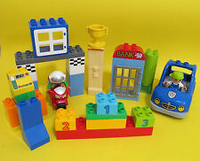 LEGO DUPLO Lot Car Motorcycle 2 Minifigs Windows Trophy and more 37 pcs