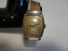 VINTAGE BENRUS MENS WIND UP WATCH GOLD TONE  -  PRE-OWNED
