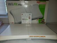 Nintendo Wii Fit - Plus Balance Board & Wii Fit Game Original box