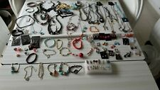 gros lot de plus de 105 bijoux neuf  promo a l'achat de 2 lots