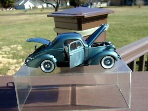 Danbury Mint 1/24th Scale L.E. 1937 Studebaker Dictator Coupe-VERY VERY NICE-