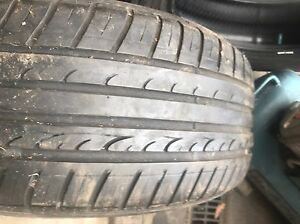 225 55 16  (1 TYRE ) DUNLOP  VERY  GOOD CONDITION SEE PHOTOS CHEAP$