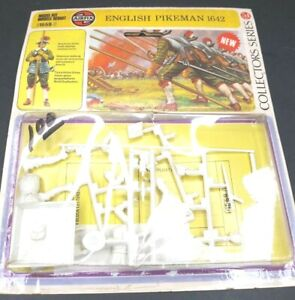 Vintage Airfix 54mm English Pikeman 1642 Kit 1559-0 New in unopened blister pack