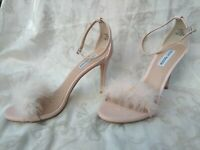 Steve Madden Womens 10M Scarlett Marabou Feathers Ankle Strap Sandals Heels Pink