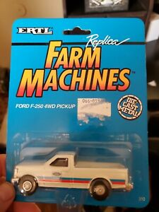 1993 Ertl Farm Country New Holland Ford F-250 4WD Pickup Truck #310