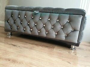 Stylish New Large Grey Plush/ Soft Velvet Fully Upholstered Storage Box Ottoman
