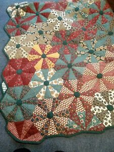 Vintage Handmade patchwork Double Bedspread Red & green BB724