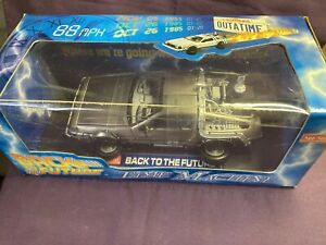 BACK To The FUTURE II TIME MACHINE 1:18 Die Cast Metal Sun Star