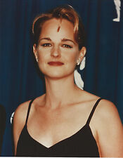 HELEN HUNT 8 X 10 PHOTO WITH ULTRA PRO TOPLOADER