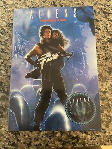 NECA Aliens Resuing Newt Deluxe Set Ripley