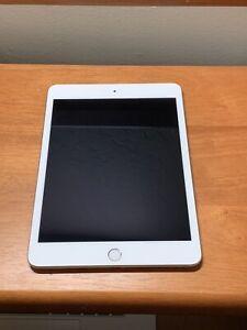 Apple iPad Mini (5th Generation) 64GB, Wi-Fi, 7.9in - Silver
