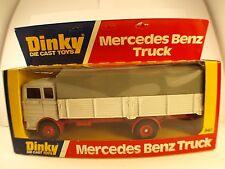 Dinky Toys GB n° 940 MERCEDES-BENZ truck neuf en boîte