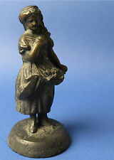 Jugenstil Bronze/Messing Figur, Mädchen mit Blumen, wohl um 1880. Rarität!!!