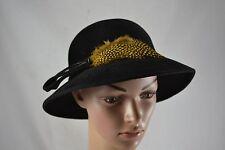 Vintage feutre noir cloche hat 1970s jaune pintade plumes