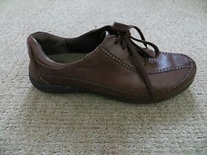 HUSH  PUPPIES WOMENS CASUAL EVERYDAY BROWN SOFT LEATHER SIZE 9