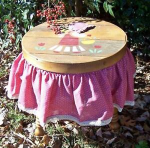 """Vintage Sewing Box Round Table Knitting Storage Country Style 15"""" x 16"""" Pink"""