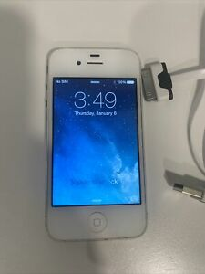 Apple iPhone 4 - 16GB - White (AT&T) A1332 (GSM)