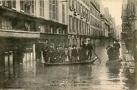 CARTE POSTALE / PARIS / INONDATIONS DE 1910 RUE JACOB ANGLE DE LA RUE BONAPARTE