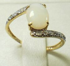 NEW 10KT YELLOW GOLD OPAL & DIAMOND RING SIZE 7     R913
