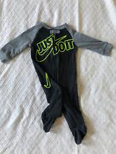 Boys 6M Black/Grey/Neon Nike Sleeper