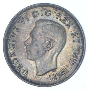 Better Date - 1943 Canada 50 Cents - SILVER *141