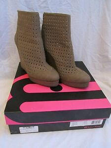 Women's Michael Antonio Charlie Cut Out Wedge High Ankle Boots Taupe Size 8.5
