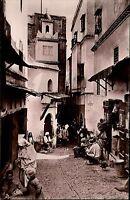 Algier Postcard Africa Afrika  s/w AK ~1950/60 Casbah Straßenpartie Personen