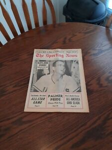 JULY 23,1966-THE SPORTING NEWS-GAYLORD PERRY OF THE SAN FRANCISCO GIANTS(MINT)