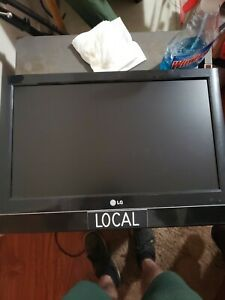 """20"""" Lg Widescreen TV HDMI Analog RCA 8ms response Built-in Tuner"""