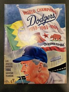 1966 LA Dodgers Yearbook Program NM Koufax Last Yr in MLB 3rd NL Cy Young Award