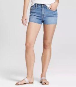 Universal Threads Womens High Rise Raw Hem Jean Short Light Wash Size 4