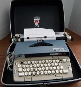Vintage 1969 SMITH CORONA Electra 120 Typewriter With Hard Case Tested & Working