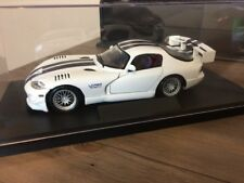 Maisto Dodge Viper GTS  GT2 10 1/18th scale 2016 DISPLAY CASE