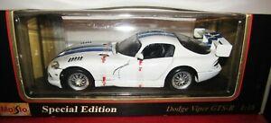 Maisto Dodge Viper 1997 1/18 Scale Diecast White & Blue Replica Model Car