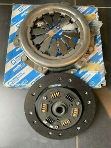 NEW GENUINE FIAT 128 X1/9 X19 1300 2 PIECE CLUTCH KIT - DISC AND PRESSURE PLATE