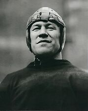 JIM THORPE 8X10 PHOTO CANTON BULLDOGS PICTURE FOOTBALL CLOSE UP
