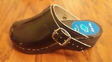 Cape Clogs toddler girls black patent leather clogs size EU 28 US 11