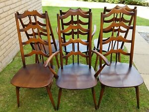 6 Ercol Dining Chairs Vintage 1960, 4 Dining Chairs and 2 Carvers