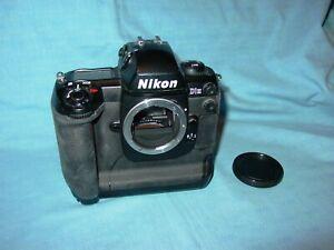 Nikon   D 1H