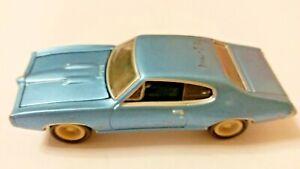 Johnny Lightning Muscle Cars 5 R3 1968 Pontiac GTO White Lightning