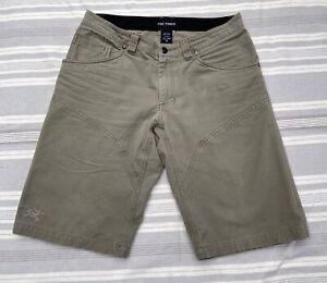 """Arcteryx Men's Heavy Cotton Shorts - Grey, size 32"""""""