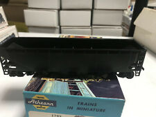 Athearn HO #1749 Undecorated 40' Hopper car RTR complete NIOB