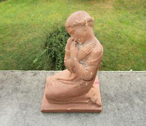 Ancienne superbe statuette Art Déco terre cuite jeune femme en prière tendresse.