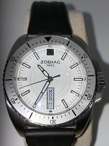 Zodiac Z05500 Day Date Diver's Watch.  NEW BATTERY! New! Never Used!