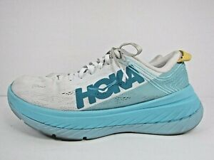 WOMEN'S HOKA ONE CARBON X  size 9.5 ! WORN LESS THAN 25 MILES!RUNNING SHOES!